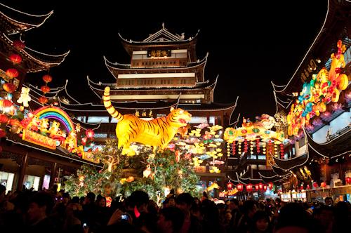 2010-02-28-yuyuan lanterrn festival-1-2