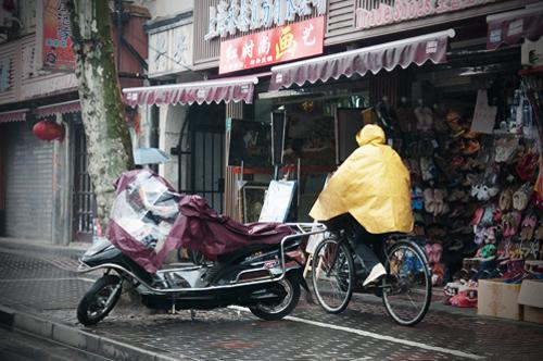 2011-03-14 cykel och moped